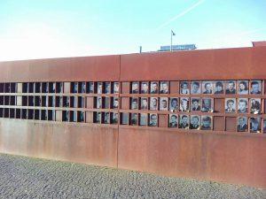 Tour del Muro, Guerra Fría y Stasi